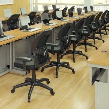 Classroom_MacBook_01_V1_00001_1080p