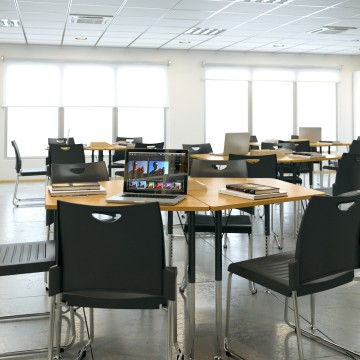 001_Activity_Table_Setup_Classroom_V1.2_0004_1080p